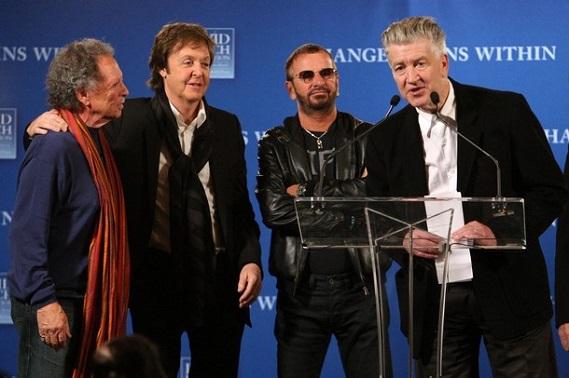 Paul Mc Cartney - Paul Horn - Ringo Starr (Beatles) és David Lynch A David Lynch-alapítvány által szervezett jótékonysági koncerten - amelynek célja a meditációoktatás támogatása - együtt zenél a két volt Beatles-muzsikussal Paul Horn jazzfuvolás és a legendás skót folkdalos, Donovan, akik 1968-ban szintén ott voltak Maharishinél.